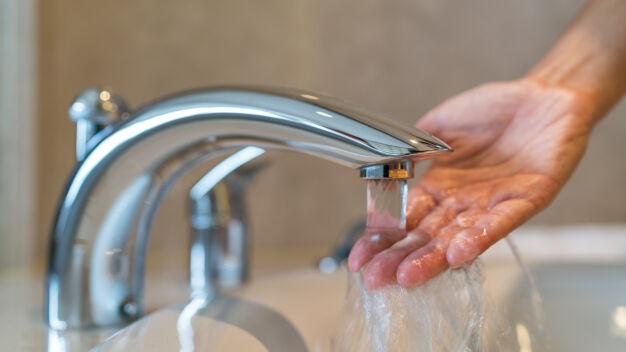 Braki wody w dwóch dzielnicach. Kończą nową magistralę