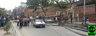 """""""Wielka panika, musieliśmy uciekać"""". Zdjęcia Reportera 24 po trzęsieniu ziemi w Nepalu"""