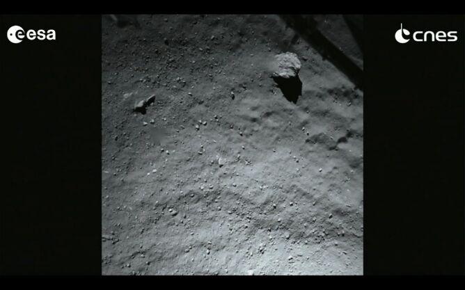 A tak wygląda powierzchnia komety