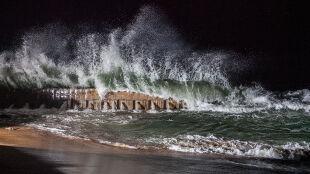 Nie tylko silny wiatr. IMGW ostrzega przed kolejnym zagrożeniem