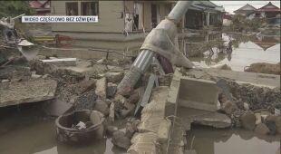 Zniszczenia po tajfunie w Japonii